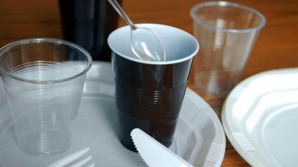 لیوان یکبار مصرف عمده فروشی